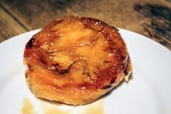 La pâtisserie de catalana de Crema a servi dans le restaurant catalan, Espagne Photo libre de droits