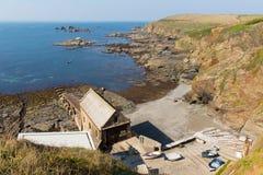 La péninsule les Cornouailles Angleterre R-U de lézard au sud de Helston en été le jour bleu calme de ciel de mer photographie stock libre de droits