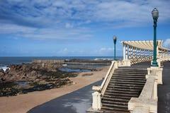 La pérgola DA Foz en el Praia hace la playa de Molhe en Oporto Imagen de archivo