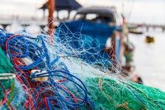 La pêche est le moyen de subsistance des gens du pays photo libre de droits