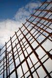 La pagina fatta dell'acciaio di rinforzo ha preparato per calcestruzzo di versamento Immagini Stock