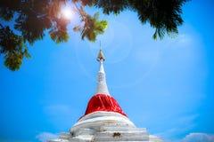 La pagoda è vicino al fiume fotografia stock libera da diritti