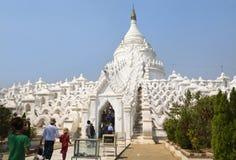 La pagoda bianca di Hsinbyume fotografia stock libera da diritti