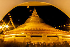 La pagoda d'or - PhrapathomChedi Image stock