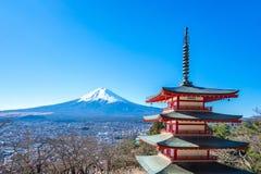 La pagoda de Chureito avec le Mt Iin Kawagushiko de Fuji près de Tokyo, Japon images libres de droits