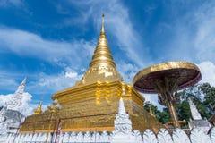 La pagoda de oro del templo de Chae Haeng, NaN, Tailandia imagen de archivo