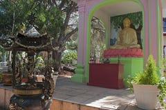 La pagoda hong hien la statue de Frances de frejus du TU photos stock