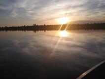 La paix est trouvée sur le lac photographie stock libre de droits