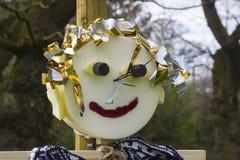La paja llenó el tipo figuras del espantapájaros de la caricatura para el entretenimiento del ` s de los niños en el festival de  imagenes de archivo