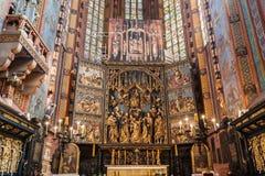La pala di Veit Stoss nella basilica di St Mary, Cracovia, Polonia Fotografia Stock