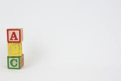 La palabra ABC en los bloques de los niños de madera Fotografía de archivo libre de regalías