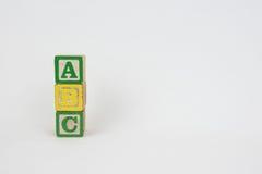 La palabra ABC en los bloques de los niños de madera Fotografía de archivo