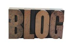 La palabra ?BLOG? en la carta de madera Foto de archivo