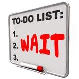 La palabra de la espera para hacer la lista anticipa el retraso frustrado perdiendo tiempo Fotografía de archivo libre de regalías