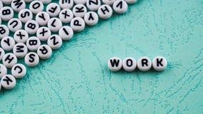 La palabra de la palabra se hace de bloques plásticos redondos Imagenes de archivo