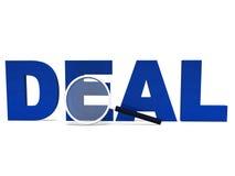 La palabra del trato muestra los tratos que tratan negocio o negocios Foto de archivo libre de regalías