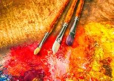 La paleta del artista, cepillos Imagen de archivo libre de regalías