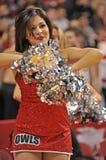 La pallacanestro 2013 degli uomini del NCAA - ragazza pon pon o ballerino Fotografie Stock