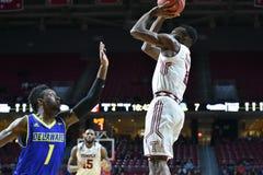 2015 la pallacanestro degli uomini del NCAA - Delaware al tempio Immagini Stock