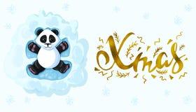 La panda moderna elegante manuscrita del oro de la inscripción de los cepillos de Navidad está mintiendo en la nieve que juega án Imagen de archivo libre de regalías