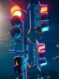La parada roja de la noche enciende la foto imagen de archivo
