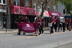 La parata annuale Glendale/di Ridgewood Memorial Day immagine stock