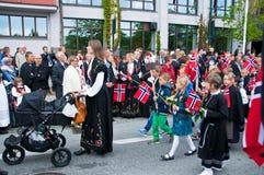 La parata dei bambini al giorno norvegese di costituzione Fotografia Stock Libera da Diritti