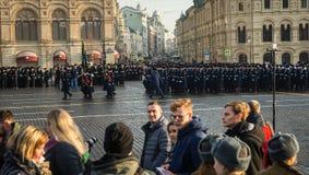 La parata militare dedicata alla parata hisorical ha tenuto nel 1941 immagini stock libere da diritti