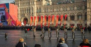 La parata militare dedicata alla parata hisorical ha tenuto nel 1941 immagini stock