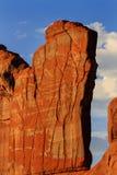 La pared anaranjada de la roca modela el parque nacional Moab Utah de los arcos de Park Avenue Imagen de archivo libre de regalías