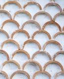 La pared blanca con el arco adorna el primer Fotografía de archivo