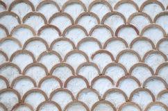 La pared blanca con el arco adorna el primer Imagenes de archivo