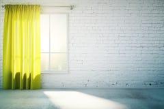 La pared blanca en blanco con la cortina amarilla y el piso concreto, imita para arriba ilustración del vector