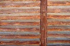 La pared de la cabaña de madera La madera es un material natural respetuoso del medio ambiente para la construcción de una casa d Imágenes de archivo libres de regalías