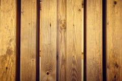 La pared de haces de madera saltó cuidadosamente, textura foto de archivo