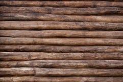 La pared de una cabaña de madera fotos de archivo libres de regalías