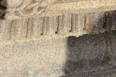 La pared del templo de Hampi Vittala tallada con los agujeros minuciosos los perforó adentro Foto de archivo