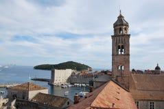 La pared vieja de la ciudad de Dubrvonik, Croacia foto de archivo libre de regalías