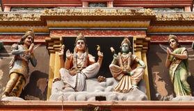 La parete della divinità che caratterizza i vari dei da mitologia indù Fotografia Stock