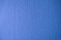 La parete di legno di una mobilia domestica si è trasformata nel blu Fotografia Stock Libera da Diritti