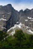La parete di Troll è la parete rocciosa verticale più alta in Europa, abou Immagini Stock Libere da Diritti