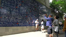 La parete ti amo dentro di Parigi stock footage