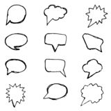 La parole bouillonne ligne noire réglée sur le fond blanc Ensemble d'éléments tirés par la main La parole bouillonne icône plate  illustration de vecteur