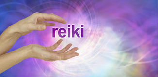 La part de Reiki invitent le fond image stock