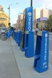 La part de vélo de Melbourne permet des 30 tours minute illimités entre les stations de train de $3 par jour Images libres de droits