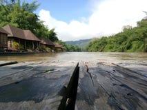 La parte anteriore del fiume del pavimento Fotografia Stock Libera da Diritti