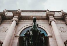 La parte anteriore del museo di storia naturale in NYC fotografie stock libere da diritti