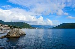 La parte costiera della località di soggiorno di Castelnuovo, Montenegro Immagine Stock