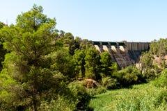 La parte posteriore dell'acqua della diga Fotografia Stock Libera da Diritti
