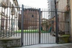 La parte posteriore della basilica del san Lorenzo a Milano Fotografia Stock